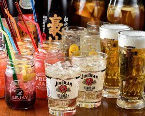 コスパ抜群の価格でお酒や逸品料理が愉しめる居酒屋【博多ホームラン食堂】
