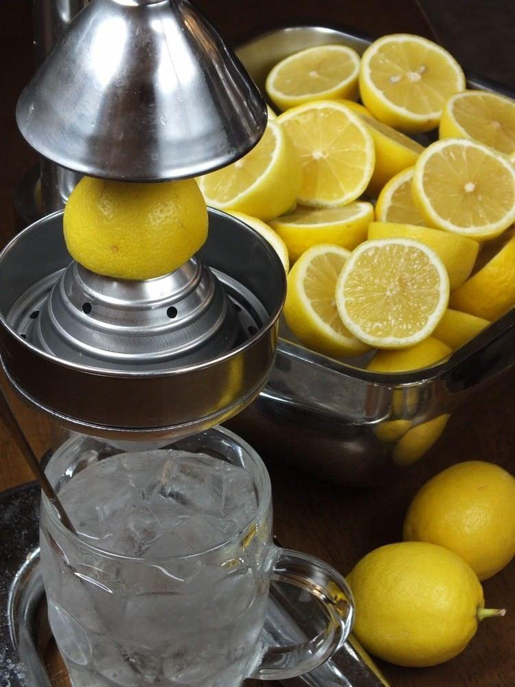 博多にあるレモンサワーが美味しい居酒屋【博多ホームラン食堂】