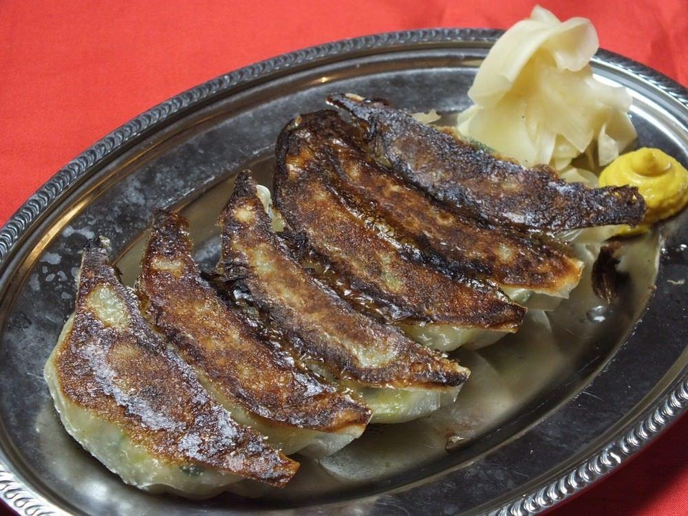 博多ホームラン食堂一押しの餃子